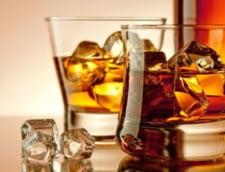 Pericolul din alcool: Ce se poate intampla cu oasele din cauza excesului
