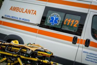 Persoana cazuta in strada, la Vanatori, aflata in stop cardio respirator, preluata, duminica dupa-amiaza, de ambulanta