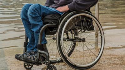 Persoanele cu dizabilitati ar putea avea plaje special amenajate, pentru un acces mai facil