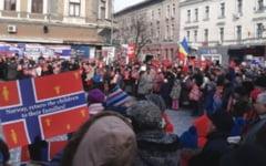 Peste 1.000 de oameni in Deva la manifestatia de sustinere a familiei Bodnariu