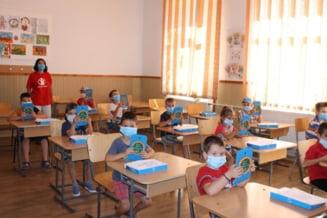 Peste 1.200 de elevi din 20 de scoli din Timis intra in scoala online
