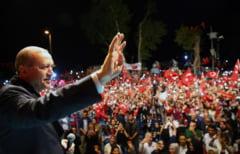 Peste 10.000 de oameni au fost retinuti in Turcia dupa puciul din weekend