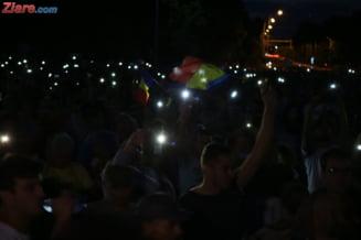 Peste 10.000 de romani au scandat in Bucuresti impotriva PSD si a lui Liviu Dragnea. Proteste masive si in alte orase din tara si din strainatate (Foto&Video)