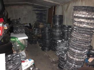 Peste 100 de capace de roti furate in Bucuresti au fost recuperate de politisti. Ornamentele erau ascunse intr-un garaj