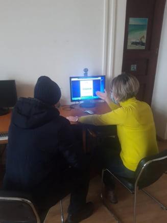 Peste 100 de galateni ajutati de bibliotecari sa se inregistreze pe #ROVACCINARE si Ghiseul.ro