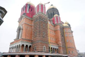 """Peste 110 milioane de euro au fost investiti in constructia """"la rosu"""" a Catedralei Mantuirii Neamului. 10 lucruri pe care trebuie sa le stii despre lacasul de cult"""