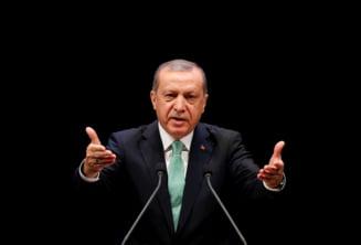 Peste 125.000 de oameni au fost demisi sau inchisi in Turcia dupa lovitura de stat esuata