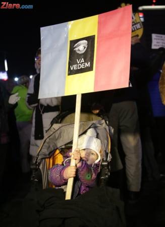 Peste 15.000 de romani au protestat in apararea Justitiei: Ei cu hotii, noi cu totii! (Galerie foto & video)