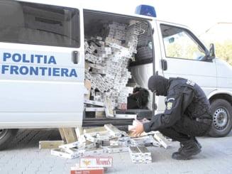 Peste 150.000 de pachete de tigari netimbrate, introduse in tara de un polonez