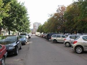 Peste 150.000 de persoane au platit parcarea prin SMS in 2011