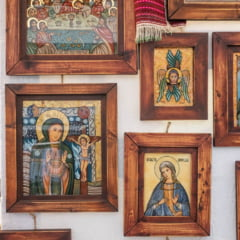 Peste 2 milioane de persoane isi sarbatoresc onomastica de Sfanta Maria