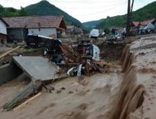 Peste 200 de oameni, salvati sau evacuati din calea viiturilor. Zeci de localitati afectate, peste 10 mii de salvatori implicati