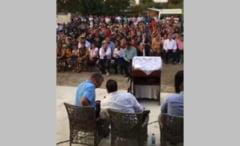 Peste 200 de oameni s-au inghesuit in Galati la o rugaciune contra coronavirusului. Politia ii cauta pe participanti sa-i amendeze individual