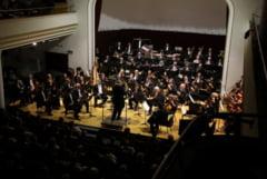 Peste 400 de spectatori la Filarmonica de Stat - Noua stagiune a debutat cu aplauze la scena deschisa