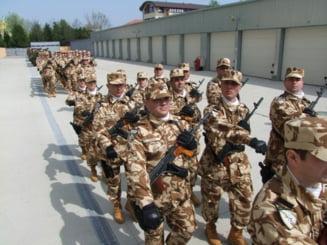 Peste 50% dintre romani vor armata obligatorie - sondaj