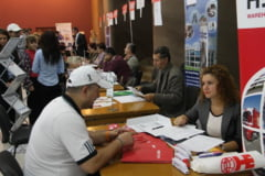 Peste 500 de someri prezenti in prima ora - Bursa absolventilor si-a dublat oferta