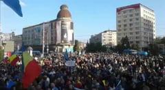 Peste 6.000 de contestatari ai PSD au ocupat Piata Unirii din Iasi dupa terminarea mitingului PSD (Video)