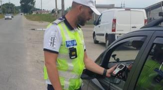 Peste 60 de conducatori auto au ramas fara permis, in urma controalelor efectuate de politisti in trafic
