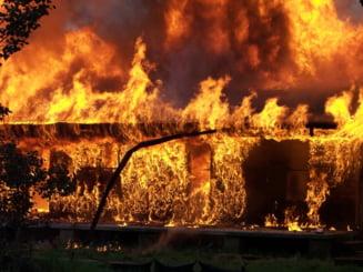 Peste 70 de explozii si incendii au avut loc in trei orase de langa Boston: Sunt mai multe victime