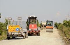 Peste 8 milioane de lei pentru reparatii la drumurile comunale din judet