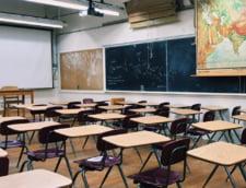 Peste o suta de unitati de invatamant preuniversitar din judetul Bacau sau structuri ale acestora fac exclusiv cursuri online