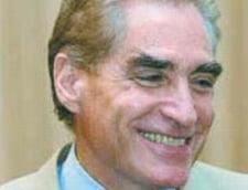"""Petre Roman il sustine pe """"luptatorul de frunte impotriva preturilor"""""""
