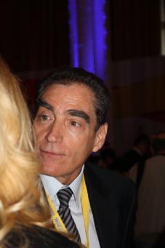 Petre Roman si-a pierdut, oficial, mandatul de parlamentar