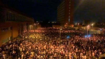 Petrecere în aer liber, cu 25.000 de participanți, în Spania. Poliția, luată prin surprindere de amploarea evenimentului VIDEO