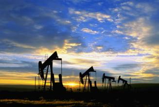 Petrolul s-a ieftinit. De ce nu scade pretul benzinei in Romania? (Video)