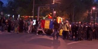 Piata Universitatii, blocata de protestatari - circulatia, intrerupta