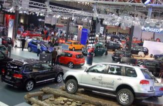 Piata auto mondiala, amenintata de recesiune