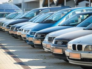 Piata auto romaneasca s-a prabusit in ianuarie