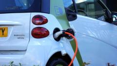 Piata auto scade cu 28,7%, la 10 luni. Vanzarile de masini electrice, pe un trend ascendent