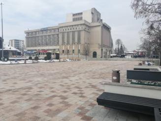 Piata centrala din Pitesti a fost vandalizata la doar cateva ore dupa ce a fost inaugurata