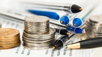 Piata financiara la raport: creditele restante, in scadere, dobanzile si cursul valutar, in echilibru