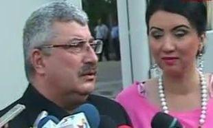 "Piedone si Prigoana, primii la urne: ""Votez pentru verdeata si mai multe zambete pe fata"""