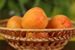 Piersicile si vitamina B17 - dusmanii cancerului