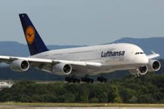 Pilotii Lufthansa, in greva extinsa - Zeci de mii de calatori, afectati