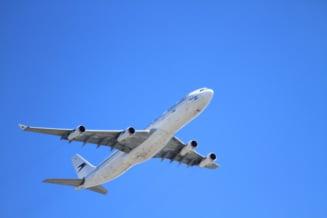 Pilotii avionului doborat in Iran au murit pe loc, prima racheta a explodat sub cabina (oficial ucrainean)