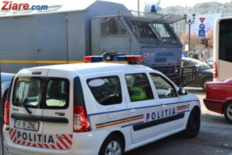 Pitesti: Heroina de jumatate de milion de euro, in portiera unei masini (Video)