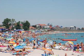 Plaja cu portia: Doar pana la 9 dimineata, prudenta maxima pentru nudisti