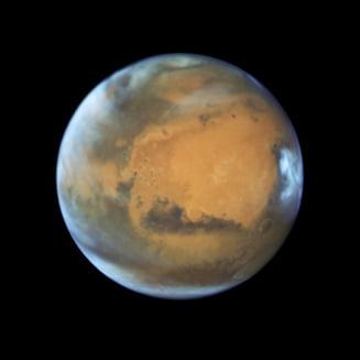 Planeta Marte va fi de 4 ori mai rosie in acest weekend