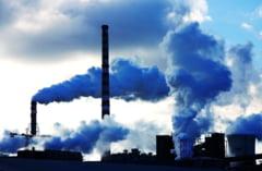 Planeta mizeaza pe energia verde, chiar daca petrolul s-a ieftinit