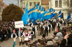 """Planul Aliantei Maghiare din Transilvania: """"100 de steaguri ale Tinutului Secuiesc arborate in locul fiecaruia indepartat prin sentinte judecatoresti neintemeiate"""""""