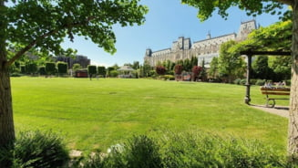 Planuri de weekend: Plimbare, joaca si relaxare in parcul Palas
