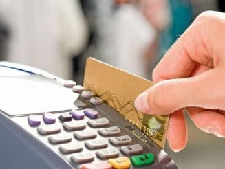 Plata cu cardul, mai ieftina decat cea cash