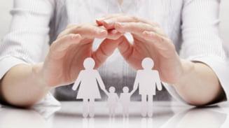 Plata indemnizatiei de crestere a copilului, care expira, se prelungeste. Cati bacauani sunt beneficiari?