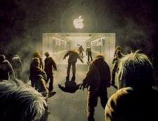 Playtech.ro: Lumea ii crede nebuni! Oamenii care stau la coada pentru iPhone