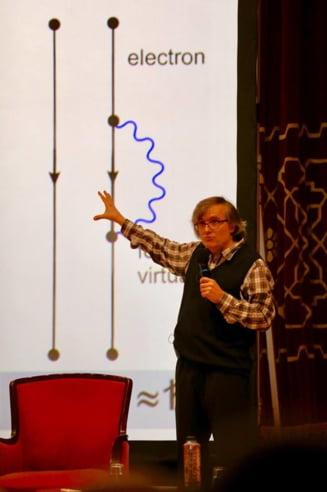 Plecat de 20 de ani din tara, fizicianul Cristian Presura explica de ce vine la protestul din 10 august