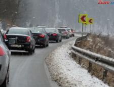 Pleci din Bucuresti? Iesirile din oras sunt blocate de masini, apar probleme pe DN1 si A2